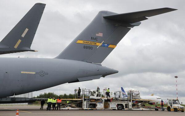 Boeing C-17 Globemaster III na moskiewskim lotnisku Wnukowo - Sputnik Polska