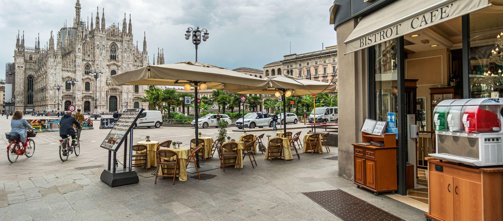 Kawiarnia w Mediolanie, Włochy - Sputnik Polska, 1920, 17.12.2020