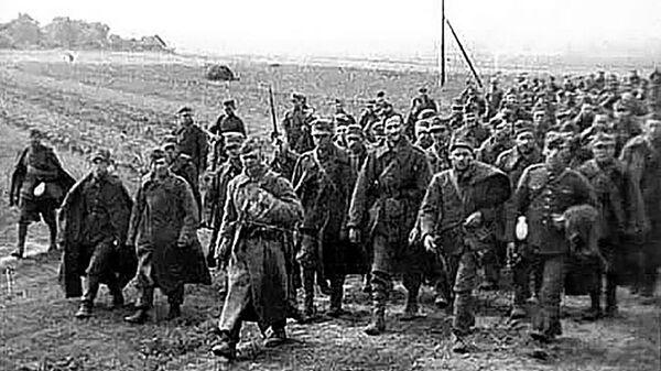 Polscy jeńcy w asyście czerwnoarmistów, 1939 rok - Sputnik Polska