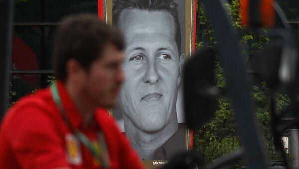 Plakat z wizerunkiem Michaela Schumachera - Sputnik Polska