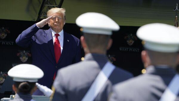 Donald Trump w West Point - Sputnik Polska