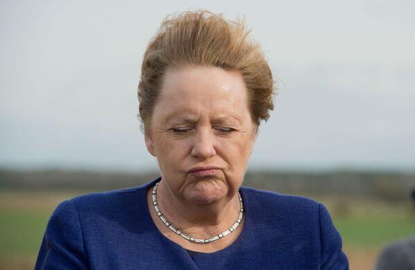Kanclerz Niemiec Angela Merkel przy silnym wietrze w północno-wschodnich Niemczech, 25 października 2019 r. - Sputnik Polska