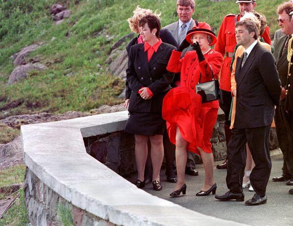 Królowa Elżbieta II podczas wizyty w Kanadzie, 1997 rok  - Sputnik Polska