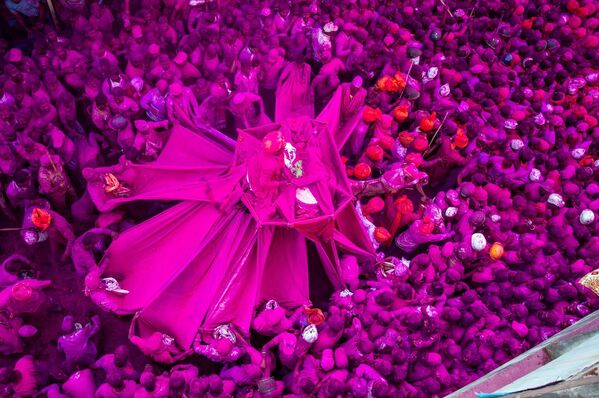 """Różowy festiwal"". Fotograf: Shubham Kothavale, Indie - Sputnik Polska"