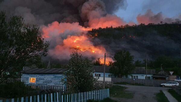 Pożar lasu w rejonie bystrinskim na Kamczatce - Sputnik Polska
