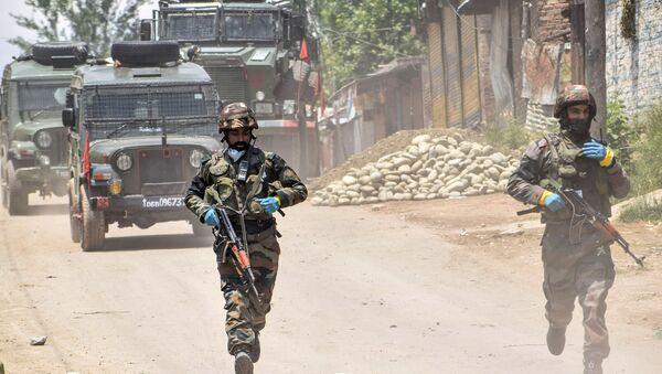 Patrol wojskowy w Południowym Kaszmirze w Indiach - Sputnik Polska