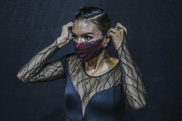 Tancerka na XIV Międzynarodowym Festiwalu Tanga w Kolumbii - Sputnik Polska