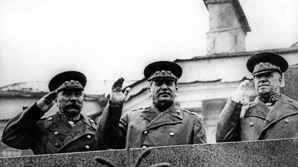 Józef Stalin na Defiladzie Zwycięstwa na Placu Czerwonym 24 czerwca 1945 roku - Sputnik Polska