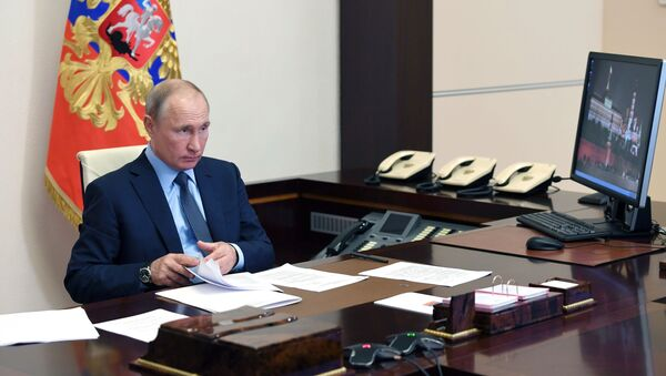 Władimir Putin w swoim gabinecie - Sputnik Polska
