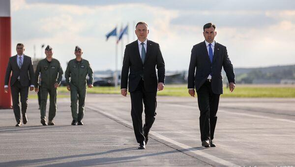Prezydent Andrzej Duda na lotnisku Balice przed wylotem do USA - Sputnik Polska