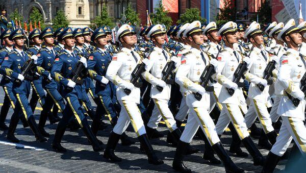 Przedstawiciele chińskiej armii na Defiladzie Zwycięstwa 2020 - Sputnik Polska