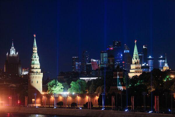 """""""Promienie zwycięstwa"""" w Moskwie  - Sputnik Polska"""