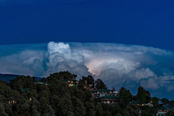 Błyskawice w chmurach, Indie - Sputnik Polska