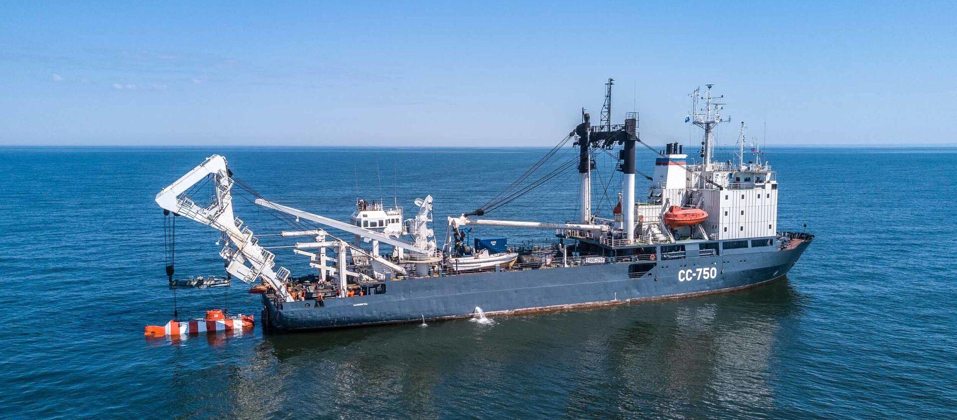 Załoga okrętu ratunkowego Floty Bałtyckiej SS-750 - Sputnik Polska, 1920, 29.06.2020