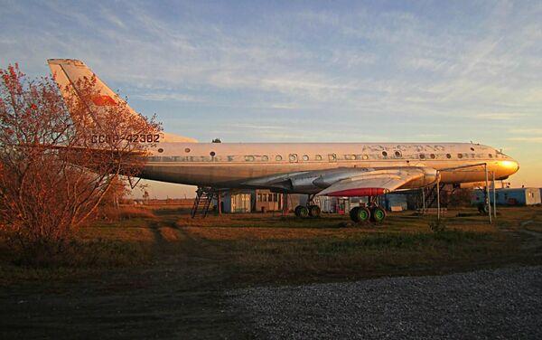 Odrestaurowany samolot Tu-104 w Bierdsku - Sputnik Polska