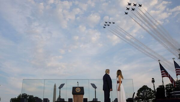 Parada lotnicza w Dzień Niepodległości w Waszyngtonie - Sputnik Polska