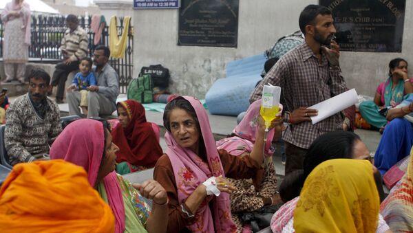 Pacjenci szpitala w Jammu po trzęsieniu ziemi w Indii - Sputnik Polska