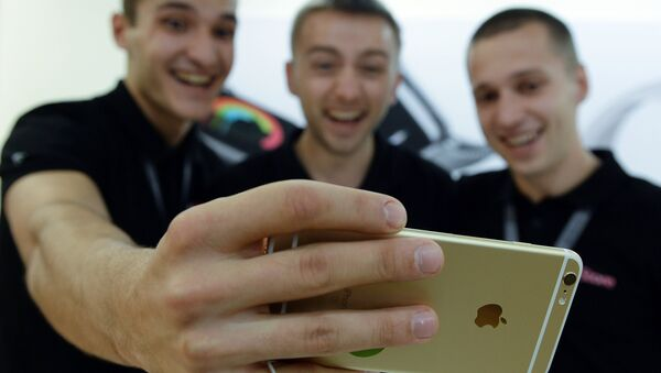 Selfie na iphone - Sputnik Polska
