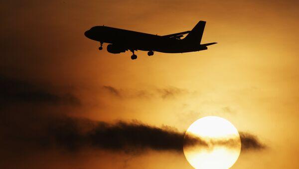 Samolot Airbus-320 startuje z lotnniska Domodedowo - Sputnik Polska