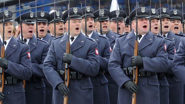 Polscy wojskowi podczas uroczystości z okazji Dnia Niepodległości, 11 listopada 2015 r. - Sputnik Polska