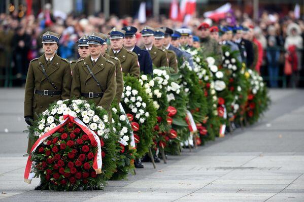 Polscy wojskowi podczas uroczystości z okazji Dnia Niepodległości RP, 11 listopada 2015 r. - Sputnik Polska