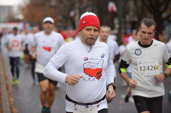 Uczestnicy maratonu w ramach Dnia Niepodległości, 11 listopada 2015 r. - Sputnik Polska