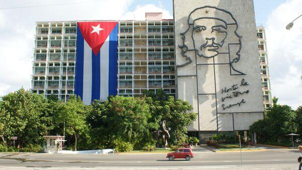 Portret Che Guevary na jednym z budynków w Hawanie - Sputnik Polska
