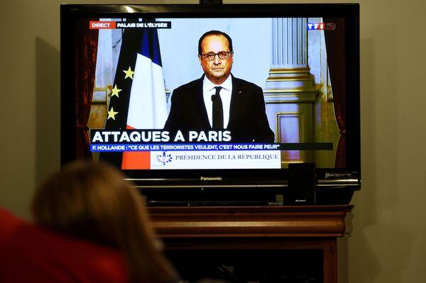 Przemówienie Hollande'a po zamachach - Sputnik Polska
