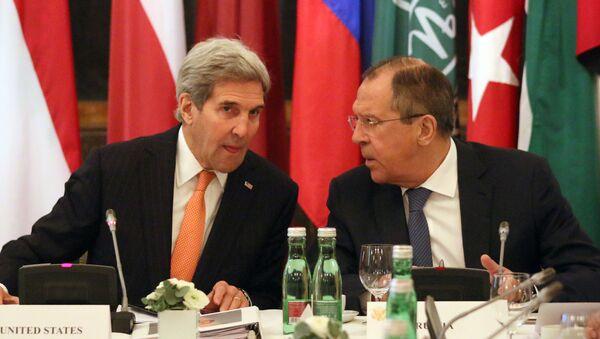 Госсекретарь США Джон Керри и министр иностранных дел России Сергей Лавров - Sputnik Polska