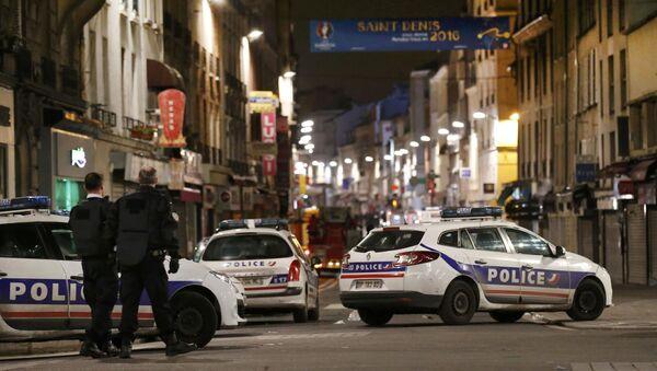 Operacja specjalna francuskiej policji na przedmieściach Paryża - Sputnik Polska