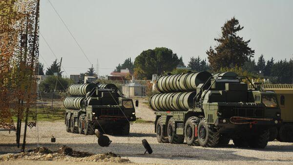 Rosyjski system rakietowy czwartej generacji typu ziemia-powietrze S-400 Triumf w Syrii - Sputnik Polska