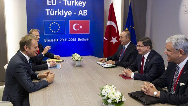 Szczyt UE – Turcja. Donald Tusk i Ahmet Davutoğlu. - Sputnik Polska