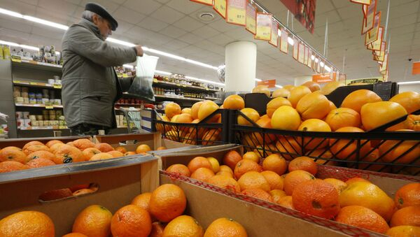 Pomarańcze w sklepie Diksi w Moskwie - Sputnik Polska