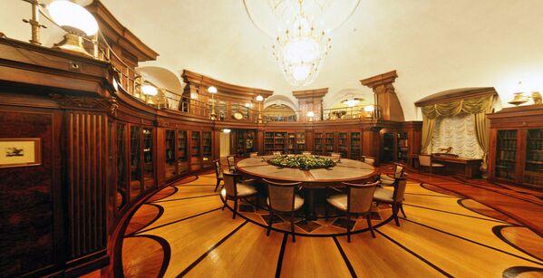 Prezydencka biblioteka Pałacu Senackiego w Kremlu - Sputnik Polska