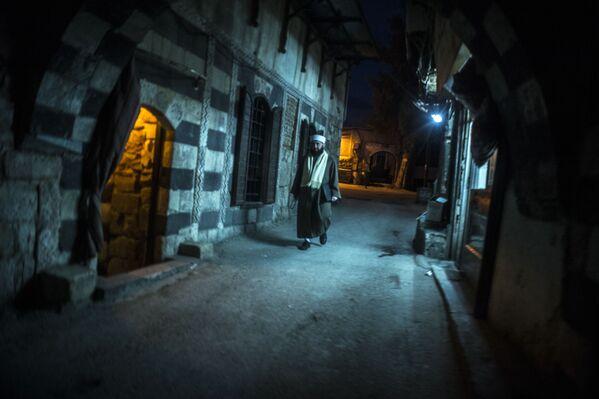 Mężczyzna na jednej z ulic Damaszku - Sputnik Polska