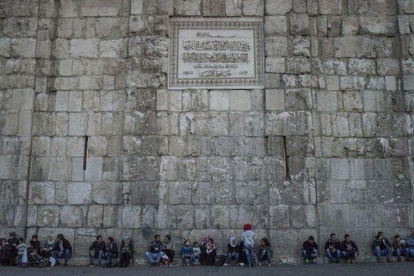 Mur w pobliżu Meczetu Umajjadów w Damaszku - Sputnik Polska