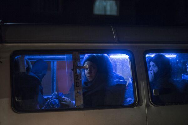 Kobieta w jednym z autobusów w Damaszku - Sputnik Polska