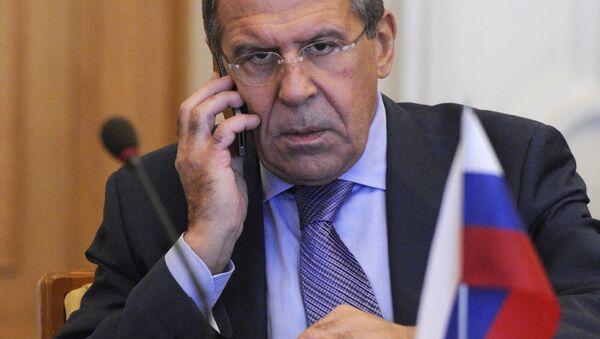 Minister spraw zagranicznych Rosji Siergiej Ławrow rozmawia przez telefon - Sputnik Polska