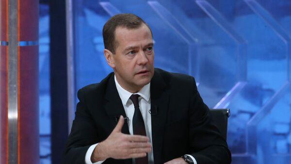 Wywiad premiera Rosji Dmitrija Miedwiediewa dla pięciu rosyjskich kanałów - Sputnik Polska