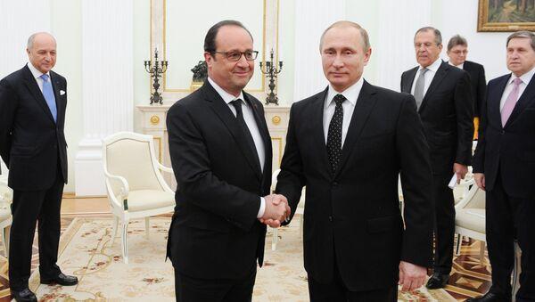 Prezydent Putin spotkał się z prezydentem Francji Francois Hollande - Sputnik Polska