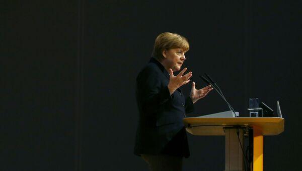 Kanclerz Angela Merkel w czasie wystąpienia na kongresie Unii Chrześcijańsko-Demokratycznej w Niemczech - Sputnik Polska