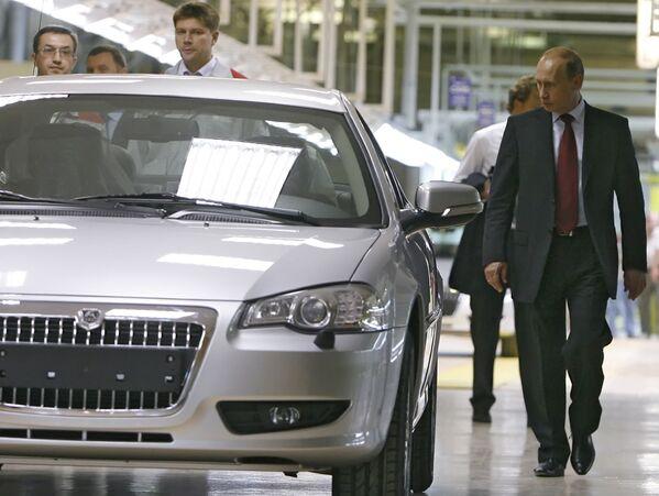 Władimir Putin odwiedza Gorkowską Fabrykę Samochodów. - Sputnik Polska