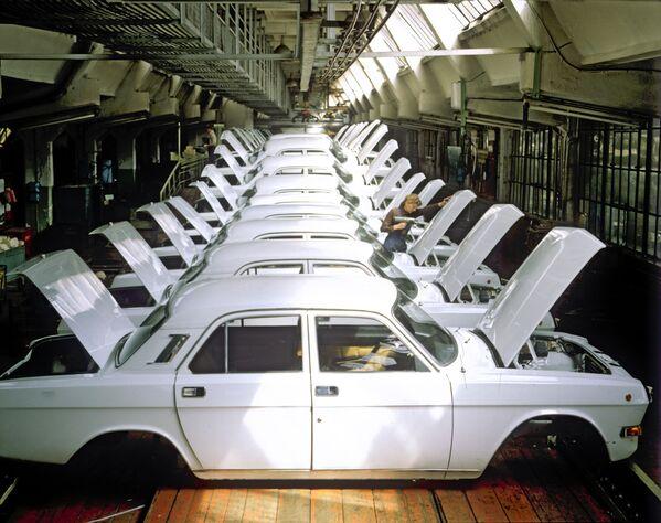 Linia produkcyjna w Gorkowskiej Fabryce Samochodów (GAZ) w Niżnym Nowogrodzie (zdjęcie archiwalne). - Sputnik Polska