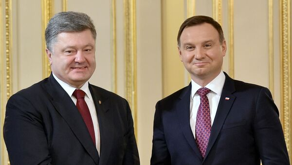 Petro Poroszenko i Andrzej Duda podczas wizyty na Ukrainie - Sputnik Polska