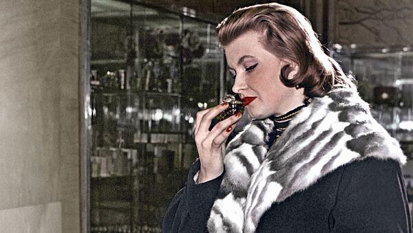 Kobieta w moskiewskiej drogerii, 1958 rok - Sputnik Polska