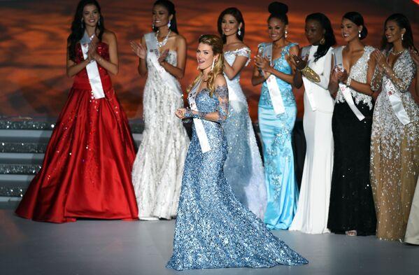 Hiszpanka Mireia Lalaguna Rozo podczas konkursu Miss World 2015 w Chinach. - Sputnik Polska