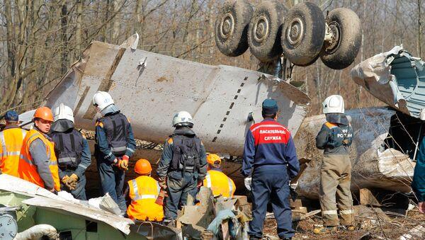 Na miejscu katastrofy samolotu prezydenckiego pod Smoleńskiem - Sputnik Polska