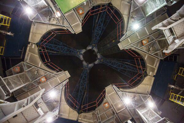 Widok na pierścień wylotowy wyrzutni powstającego kosmodromu Wostocznyj w obwodzie amurskim. - Sputnik Polska