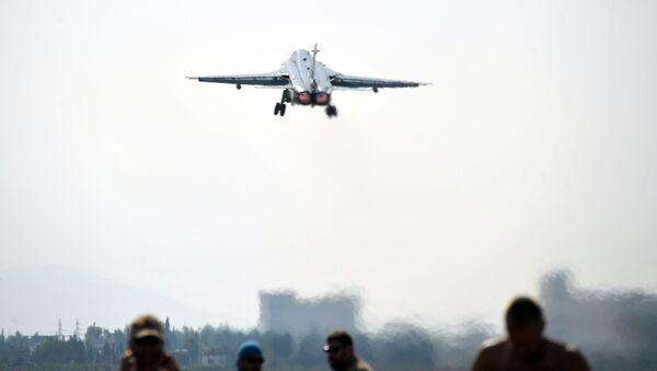 Samolot bombowy Su-24 Sił Powietrzno-Kosmicznych Rosji - Sputnik Polska