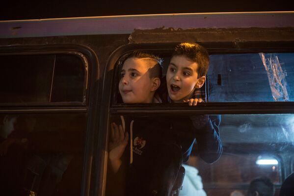 Dzieci podczas obchodów Bożego Narodzenia w Damaszku - Sputnik Polska